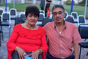 09092018 EN PAREJA.  Magda y Héctor.