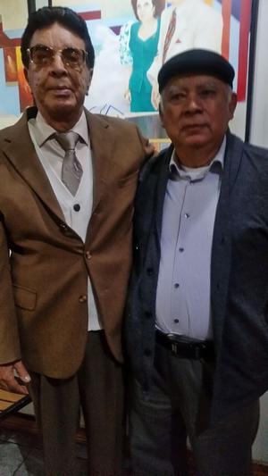 09092018 POSAN PARA LA FOTO.  Locutor Alejandro Rodríguez acompañado de Arnoldo Cabada de la O, quien fuera el primer conductor que presentó a Luis Miguel a sus 10 años de edad en su debut en Cd. Juárez, Chihuahua.