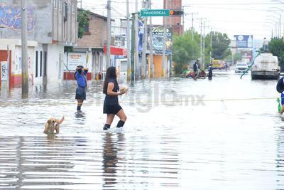 Llegaron hasta las zonas que siguen afectadas por las inundaciones.