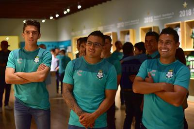 """Los Guerreros estuvieron presentes este lunes en el Museo Arocena, para conocer la magna exposición denominada """"Goles y Pasiones. 11 décadas de Futbol en México""""."""