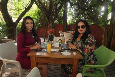 Karen Martínez y Fernanda Vargas.