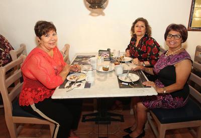 Fifi Martínez, Criss de la Fuente y Martha Martínez.
