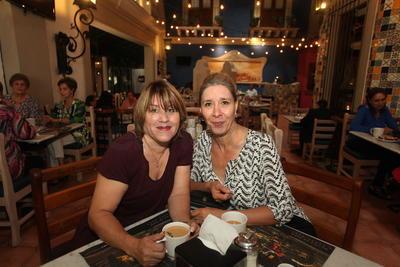 Graciela Herrera y Ludivina Herrera.