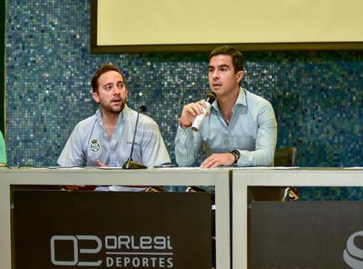 La presentación se llevó a cabo en las instalaciones del auditorio Orlegi.