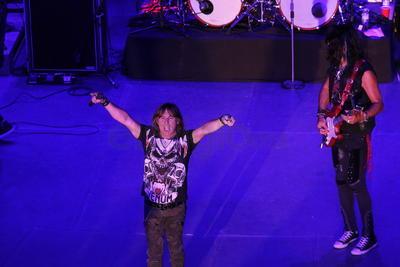 """""""Venimos a hacerles un poquito de rock and roll a Durango con esta gira que nos trajo por acá"""" dijo Adrián."""