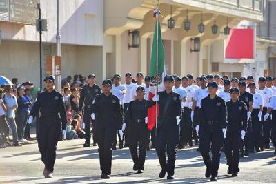 Agentes de diversas corporaciones marcharon por el Centro.
