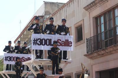 México se escuchó por las calles del Centro Histórico de la capital durante el desfile cívico militar alusivo al 208 aniversario de la Independencia.