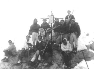 16092018 En el Volcán Popocatépetl, grupo de alpinismo del ISSSTE de la Cd. de México, hace más de cuatro décadas.
