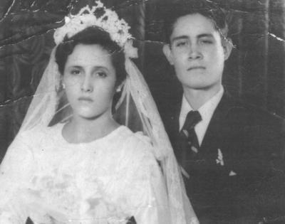 16092018 Sra. Genoveva de la Torre Ramírez y Sr. Bernardo Medina Velázquez el 23 de agosto de 1954.
