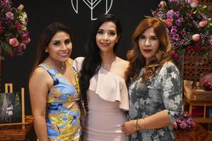 16092018 DESPEDIDA DE SOLTERA.  Valeria Reséndiz con Marlen y Mary Carmen.