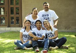 16092018 EN FAMILIA.  Raymundo, Angelita, Paula, Ximena y Ray.