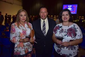 Edith, Miguel Ángel y Maricela