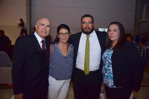 Miguel Ángel, Yolanda, Marco y Karina