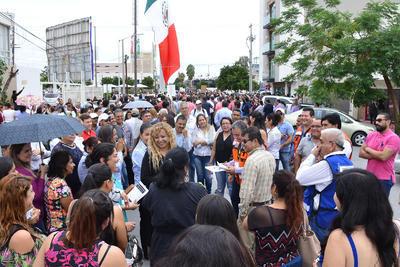 Los empleados de la Presidencia evacuaron las instalaciones.