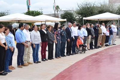 Se realizó además en la explanada de la Plaza Mayor, un acto cívico de dos minutos de silencio por las víctimas de los terremotos. El alcalde Jorge Zermeño y autoridades municipales estuvieron presentes.