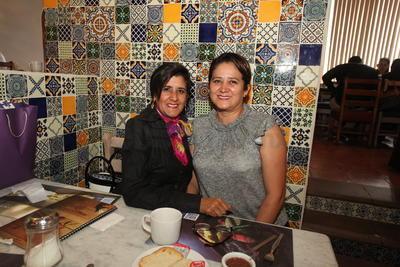 Laura Sánchez y Lupita Varela.