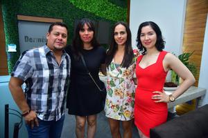 21092018 EN RECIENTE EVENTO.  José, Maricarmen, Angélica y Cristy.