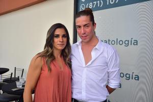 21092018 POSAN PARA LA FOTO.  Yuya Garza y Alejandro González.