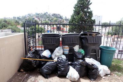 Teleférico. Los depósitos de basura fueron insuficientes y el servicio no llegó a tiempo. (EL SIGLO DE DURANGO)