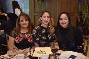 22092018 Isela, Jennifer y Laura.