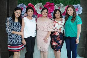 22092018 Mónica Salas, Marisela Hernández, Marisela Luján y Estela Hernández acompañando a  la novia