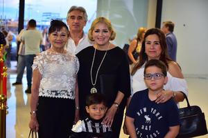 23092018 EN RECIENTE EVENTO  Sra. de Riquelme, Lucía, Matías, Diego, Ethel y Vero.