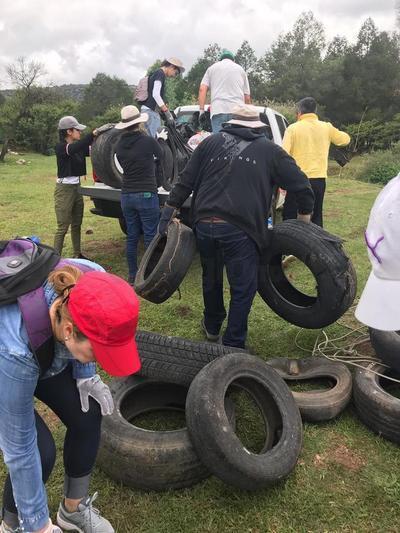 El organizador dijo verse extrañado porque entre la mayor parte de la basura que sacaron se encuentran las llantas de vehículos.
