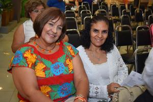 26092018 Hilda y Reina.
