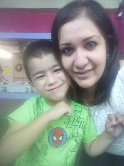 27092018 Alejandra con su hijo, Paquito