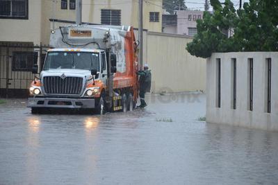Indican que el problema se deriva de los colectores que están colapsados y por ello se tarda en bajar el nivel del agua.