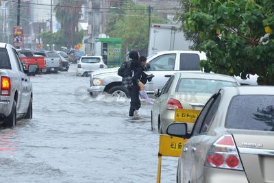 La Comisión Nacional del Agua (Conagua) niega que se presente una tormenta similar a la registrada hace unas horas en Torreón, como se ha alarmado en las redes sociales.