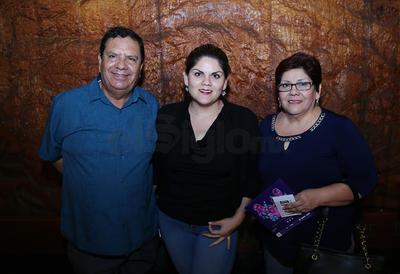 Dr. Héctor Olvera, Carmen Olvera  y María del Carmen Martínez