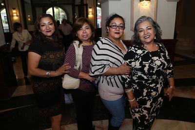 Lirio, Paty, Azucena y Lupita.