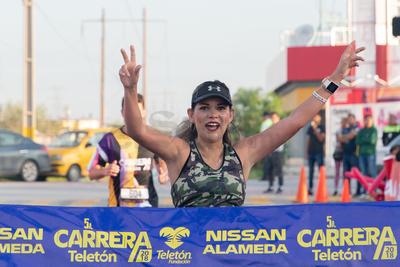 El segundo lugar femenil fue para Claudia Patricia Tabares con crono de 52:01.