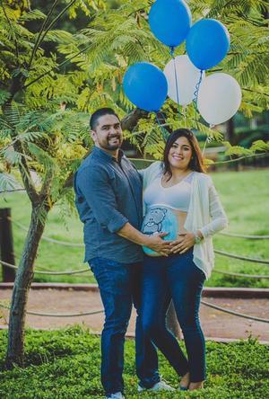 29092018 SERáN PAPáS.  Eduardo y Elena en espera de su hijo, Alan.