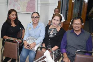 30092018 EN RECIENTE EVENTO.  Denisse, Cinthya, Erika y Juan Carlos.