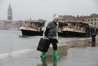 El gobernador de la región de Véneto, Luca Zaia, dijo que las inundaciones podrían alcanzar los niveles de la inundación registrada en 1966.