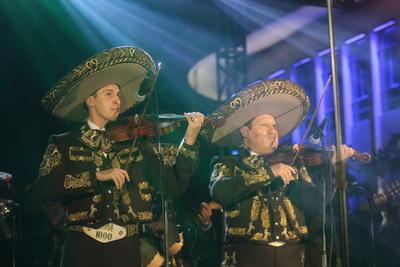 La música de Joan Sebastian, Vicente Fernández, José Alfredo Jiménez y hasta Pedro Infante también protagonizó la clausura.