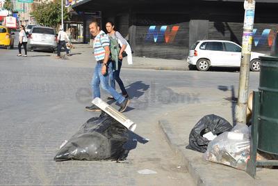 Sacan basura a pesar de nuevo horario
