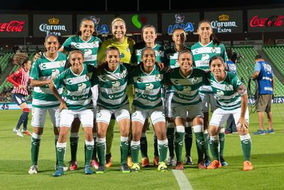 Las Guerreras recibieron a Chivas en el Estadio Corona para jugar el partido correspondiente a la jornada 12.
