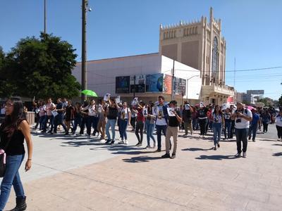 En Torreón no olvidan el 2 de octubre y salen a marchar