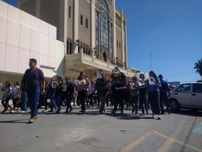 El contingente pasó por la avenida Matamoros.
