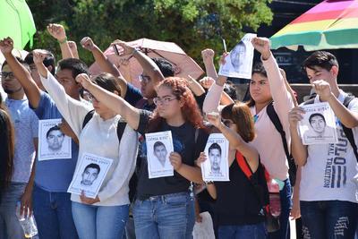 Con marcha y mitin en la Plaza Mayor, estudiantes se dieron cita para recordar la masacre.