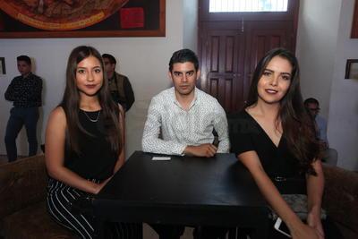 Estefania Montenegro, Antonio Galván y Alejandra Soria.