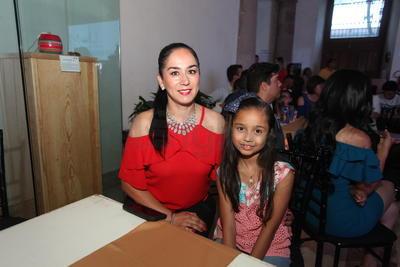Liliana Garza y Mariana Medrano.