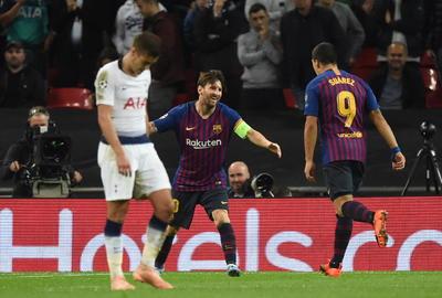 Lionel Messi resplandeció con dos goles en el estadio Wembley, donde el Barcelona se complicó la vida en segundo tiempo antes de doblegar el miércoles 4-2 al Tottenham, para hilar su segundo triunfo en la fase de grupos de la Liga de Campeones.