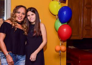 Con su mama Pina Martinez