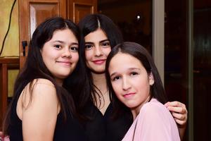 Ivanna Renata y Jocelyn