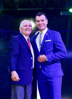 Guillermo Milan y Jared Borgetti