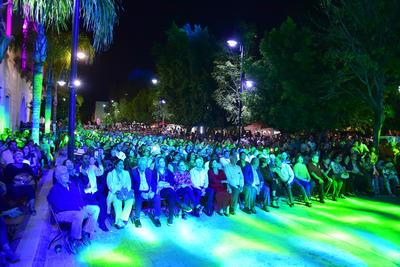 """Su presentación tuvo lugar en la Plaza de Armas de la llamada """"Ciudad Jardín"""" a propósito del Festival Revueltas que comenzó hace unas semanas con diversas actividades programadas en el estado de Durango."""